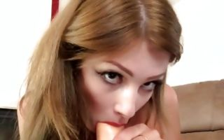 Sexy amateur beauty with round butt playing with big dildo